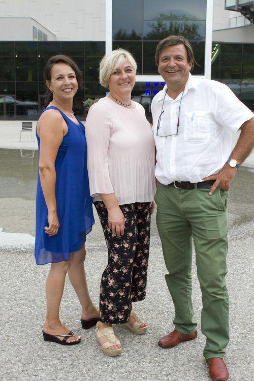 Nadja Djuric (l.), Helga Mangeng und Franz-Josef Winsauer.
