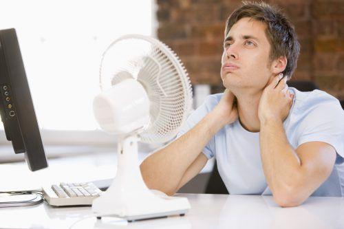 Nicht nur alten und kranken Menschen, auch jungen können sehr hohe Temperaturen Probleme machen.
