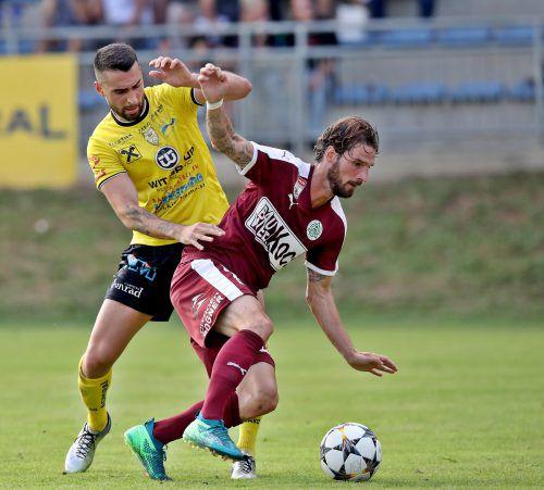 Patrick Salomon in seinem Element. Altachs ehemaliger Mittelfeldspieler gehört auch beim SV Mattersburg schon zum Stammpersonal.gepa