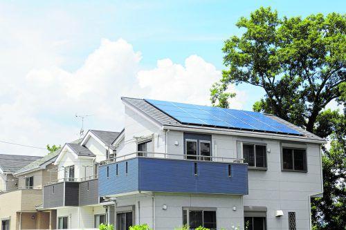 PV-Anlagen auf Mehrfamilienhausdächern wurden wirtschaftlicher.foto: sHutterstock