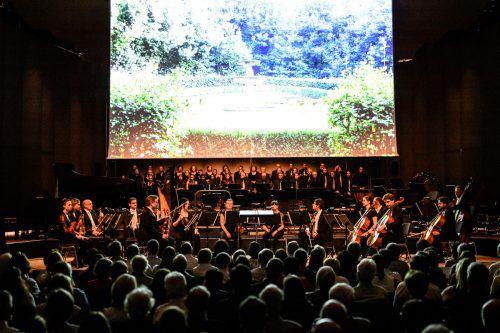 Riesenaufgebot von Orchester und Chören zum Finale der Montforter Zwischentöne in Feldkirch. Zwischentöne/Matthias Rhomberg