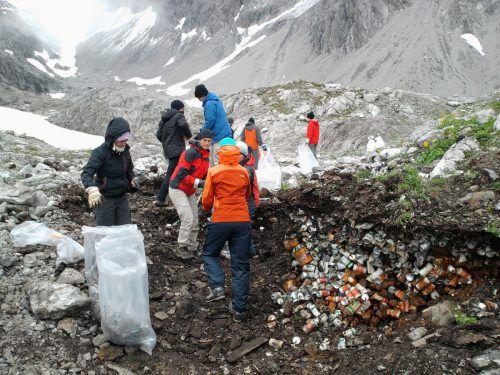 Seit den 1970er-Jahren wurden Tausende Kubikmeter Müll eingesammelt.