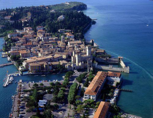 Sirmione ist einer der meistbesuchten Orte am Gardasee.
