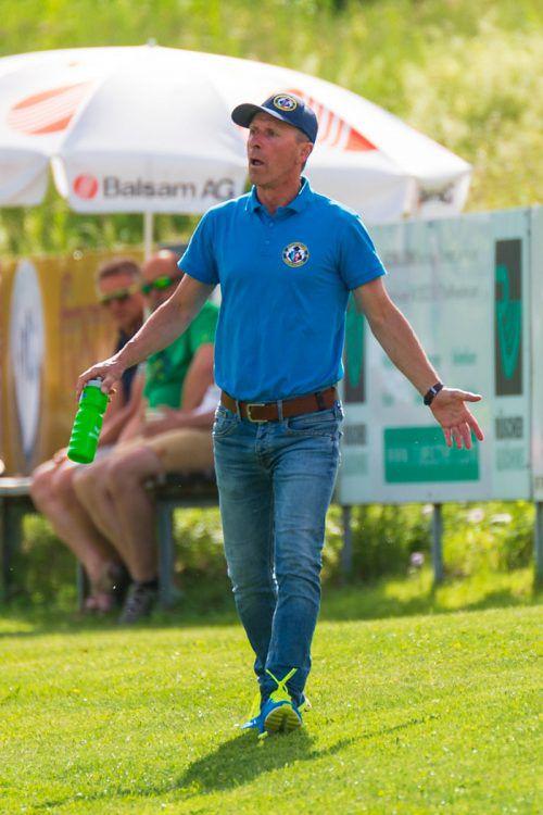 SK-Meiningen-Langzeittrainer Enes Cavkic kommt derzeit nicht zur Ruhe. Nach dem verpatzen Aufstieg hat er nun arge personelle Probleme.stiplovsek