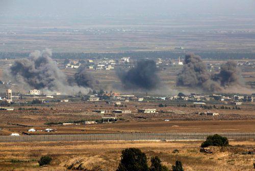 Syrische Luftwaffe und Alliierte bombardieren Orte im Süden Syriens. afp