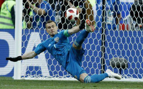 Torhüter IgorAkinfejew wurde im Elfmeterschießen zum Helden. Der 32-jährige Schlussmann von ZSKA Moskau parierte gleich zwei Elfmeter der Spanier.ap