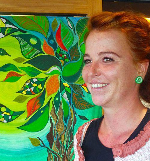 Verena Ackerl stellt in der Raiffeisenbank Lech aus. Ackerl