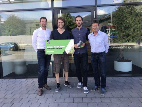 V.l. Thomas Urmann (Loxone), Tim Mittelberger und Pascal Madlener (Team Smart Home, Dorfelektriker), Herbert Mittelberger (Geschäftsführer, Dorfelektriker). Loxone