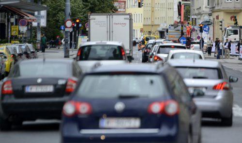 Beinahe alle in Städten lebenden Europäer seien einer Luftbelastung ausgesetzt, die über die empfohlenen Werte der WHO hinausgehe, urteilte die EEA. APA