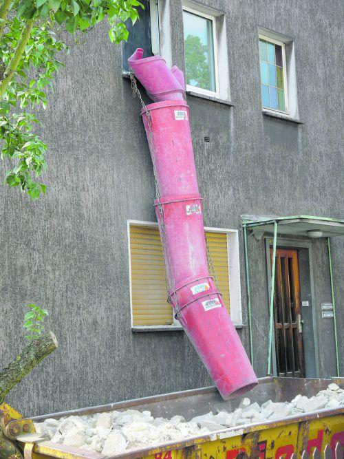 Wer seine Wohnung lediglich innen saniert, muss niemanden fragen. Sobald die Außenansicht verändert wird, haben Miteigentümer ein Mitspracherecht.Foto: Dieter Schütz_pixelio.de