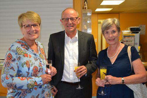 Werkstätte-Montafon-Leiterin Irmgard Müller (l.) mit Bertram Luger und Jutta Tschofen (MBS) wurde im Rahmen einer Feier verabschiedet. Caritas
