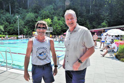 25 Jahre Bademeister Werner Maitz und 50 Jahre Schwimmbad Riebe wurden gebührend gefeiert, auch Bgm. Christian Loacker gratulierte zum Jubiläum