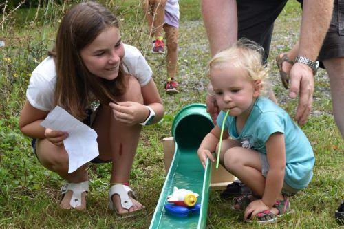 Alljährlich sind die Kinder mit viel Freude beim Klauser Wasserfest dabei. Loacker