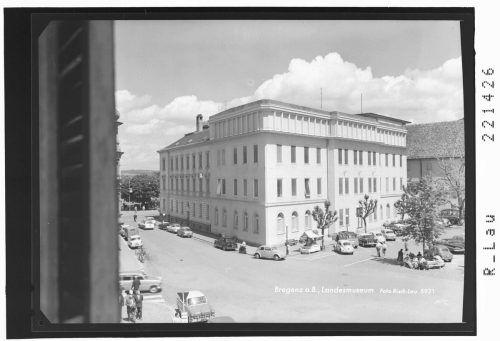 Am 15. Oktober 1960 wurde das Vorarlberger Landesmuseum neu eröffnet. Neben der neuen Fassade wurde auch das Gebäudeinnere einer Totalrenovierung unterzogen. Sammlung Risch -Lau, Ansichtskartensammlung, Vorarlberger Landesbibliothek