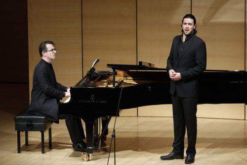 Andrè Schuen legt den Müllerburschen selbstbewusst an. Schubertiade