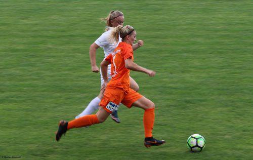 Annalena Wucher bei ihrem ersten Spiel mit dem USC Landhaus.