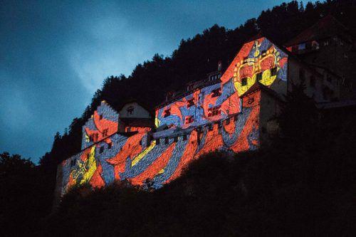 Anstelle des großen Feuerwerks wird Schloss Vaduz zwölf Minuten lang mit bewegten Bildern bespielt werden. Liechtenstein Tourismus