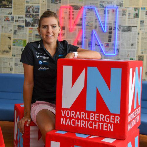 Bianca Steurer schaute vor ihrem Start beim Trans Vorarlberg 2018 noch in der VN-Sportredaktion vorbei.VN-Lerch