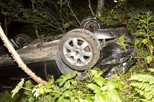 Das Fahrzeugwrack, aus dem sich der junge Lenker selbst befreien konnte. d. mathis