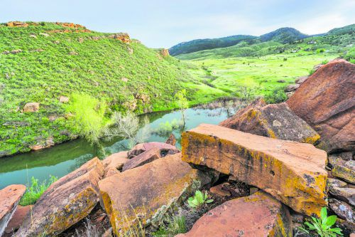 Das Horsetooth Reservoir bei Fort Collins lädt zum Wandern, Kajaken oder Schwimmen ein. shutterstock