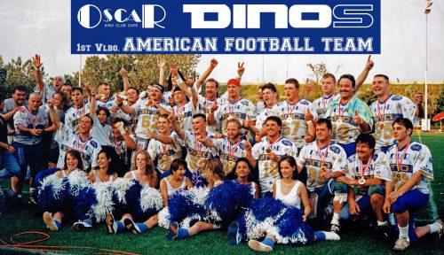 Das Siegerteam der Feldkircher Dinos bei der Austrian Bowl 1993 in Maria Enzersdorf zusammen mit ihren Cheerleadern.VEREIN