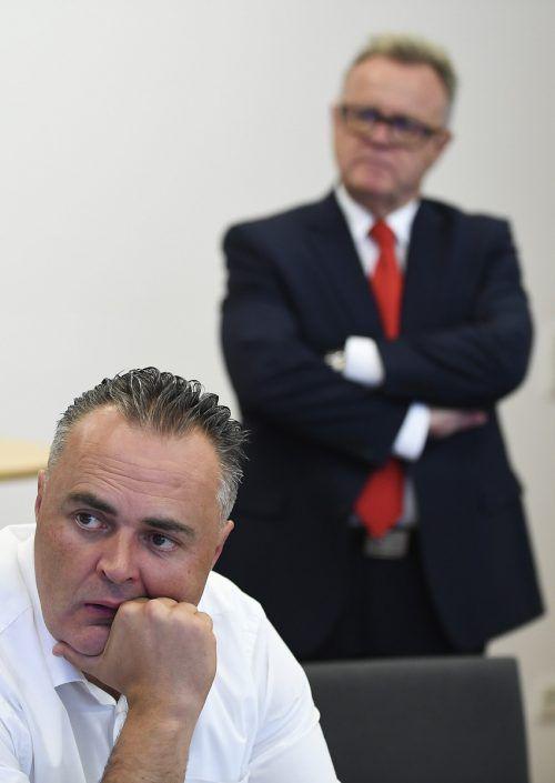 """Der burgenländische Landesrat Doskozil (links) sprach von """"grün-linker Fundi-Politik"""". Landeshauptmann Niessl versuchte, die Wogen zu glätten.APA"""