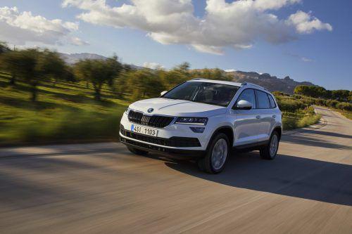 """Der Karoq ist der zweite Schritt im Rahmen der SUV-Offensive von Škoda. Als kleiner Bruder des Kodiaq kommt er auch als """"Scout"""" - mit Allradantrieb. Einstiegspreis: ab 28.320 Euro."""