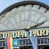 Schwebebahnen kollidieren im Europa-Park Rust