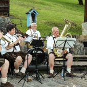 Volkstümliche Klänge im Museumsgarten