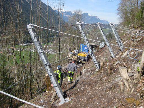 Die erforderlichen Schutzmaßnahmen in Innerbraz erfolgen in teils unwegsamem Gelände. ÖBB