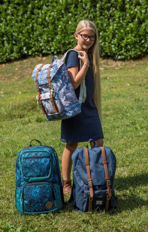 Die Ferien neigen sich langsam, aber sicher dem Ende zu: Anna aus Lochau weiß, worauf es bei einem Schulrucksack ankommt. VN/PAulitsch