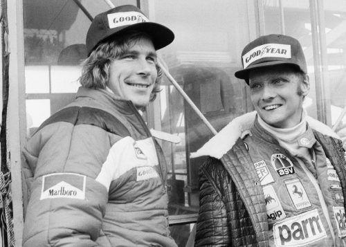 """Das Duell Niki Lauda gegen James Hunt wurde im Film """"Rush"""" verarbeitet.ap"""