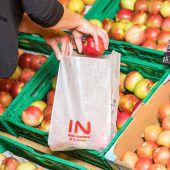Papier statt Plastik in der Gemüseabteilung