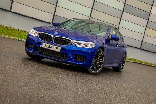"""""""Fährst du quer, spürst du mehr!"""" Mit dem heftigen Sportkracher BMW M5 lässt es sich in den Grenzbereich gehen. vn/steurer"""