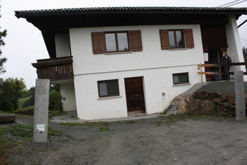 """""""Felbers schiefes Haus"""" in Sibratsgfäll zeigt die Macht der Naturgewalten. me"""