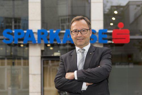 Sparkasse-Vorstand Böhler bringt Anleihe ins Spiel. VN/DS