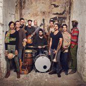 Afrobeat-Kollektiv bringt den Pool in Wallung