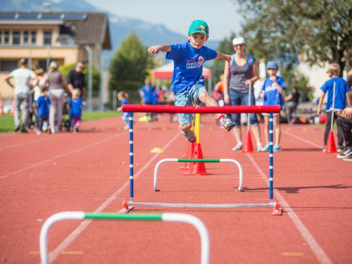 Gerade für Kinder ist Bewegung ein wichtiges Element für ihre Entwicklung. Gemeinsame Unternehmungen spornen an.vn/sams