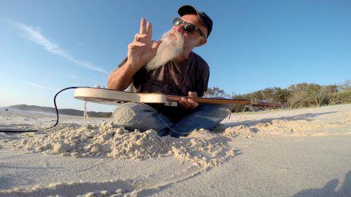 Hobo turned Rockstar Seasick Steve sagt,er hat die Zeit seines Lebens. seasick steve