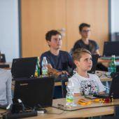 Nachwuchsprogrammierer lernen digitales Rüstzeug kennen