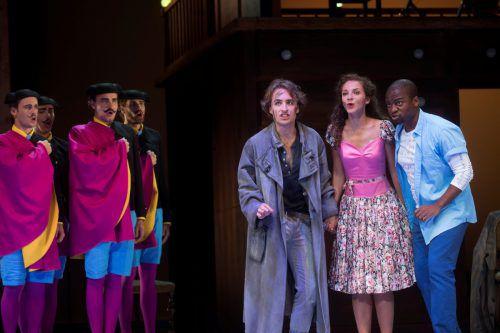 """Im Rahmen des Opernstudios der Bregenzer Festspiele hat heute Abend """"Der Barbier von Sevilla"""" Premiere. Auf der Bühne des Kornmarkttheaters stehen junge Sängerinnen und Sänger.VN/Paulitsch"""