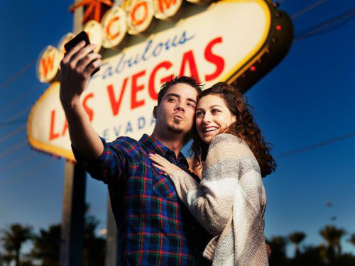 In der bei USA-Reisenden beliebten Stadt Las Vegas dürfen Sie vieles, etwa heiraten, aber nicht Ihr Gebiss verpfänden.fotolia