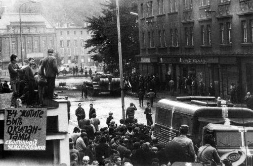 """In der Nacht auf den 21. August marschierten Truppen des Warschauer Pakts in der Tschechoslowakei ein und beendeten die Hoffnungen auf einen """"Sozialismus mit menschlichem Antlitz"""".  AFP"""