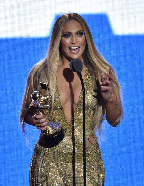 Jennifer Lopez bedankte sich mit einer emotionalen Rede.AP