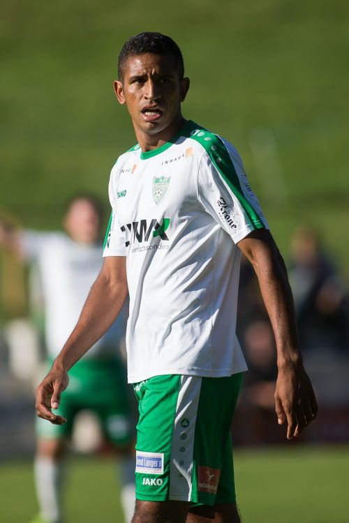Langeneggs Verteidigung rund um den Brasilianer Gilnei Silva De Mesquita musste gegen Grödig drei Tore hinnehmen.VN-Steurer