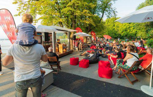 Literatur erhält in Bregenz eine wunderbare Kulisse: Gestern Abend konnte man der Autorin Ingrid Kaltenegger zuhören. Stiplovsek