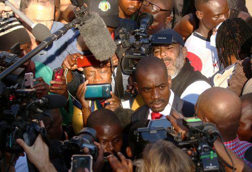 Nach den Unruhen sieht sich Chamisa mit Ermittlungen konfrontiert. reuters