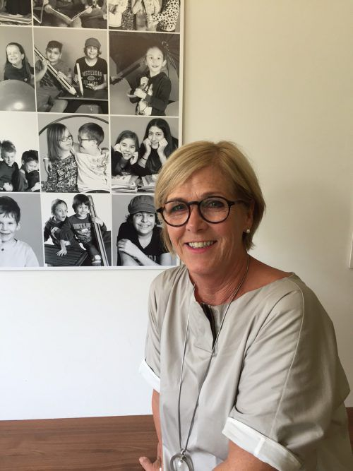 Ulrike Bösch freut sich, dass sie ihren Pensionsantritt hinausschieben konnte und noch ein Jahr länger Schuldirektorin sein darf. VN