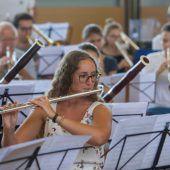 Orchesterspiel mit Plexiglas