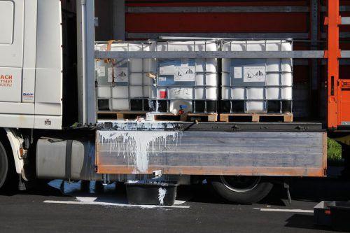 100 Liter umweltgefährdende Flüssigkeit liefen aus. vol.at/rauch